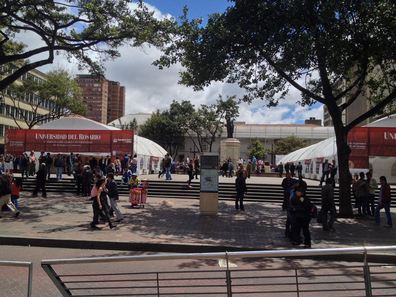Universidad-Del-Rosario-Eventos-btl-Bogotá-Slim-Brands